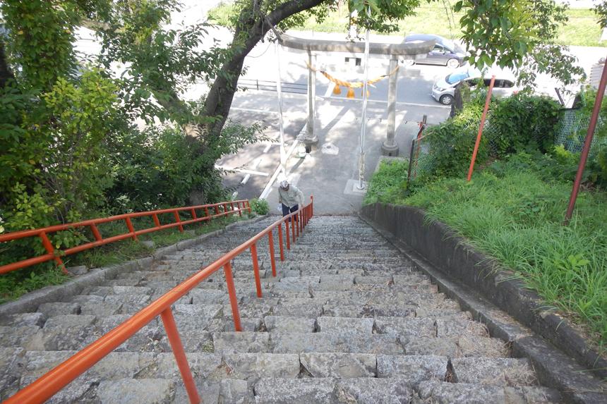 「神社の階段」
